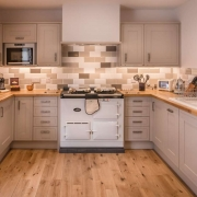 suite-12-kitchen_34635595846_o