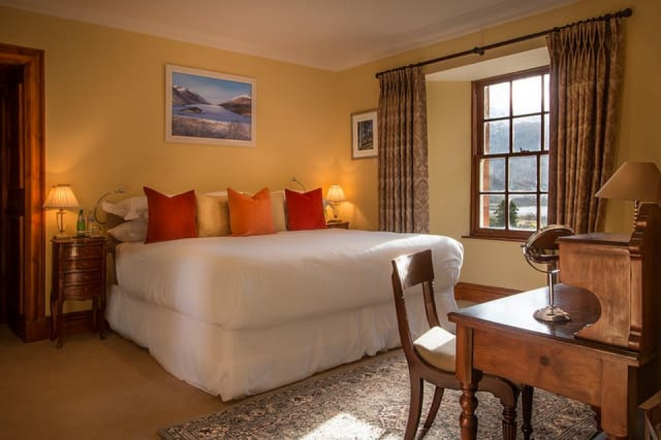 Picture of the bedroom of suite 8 - Glencoe House